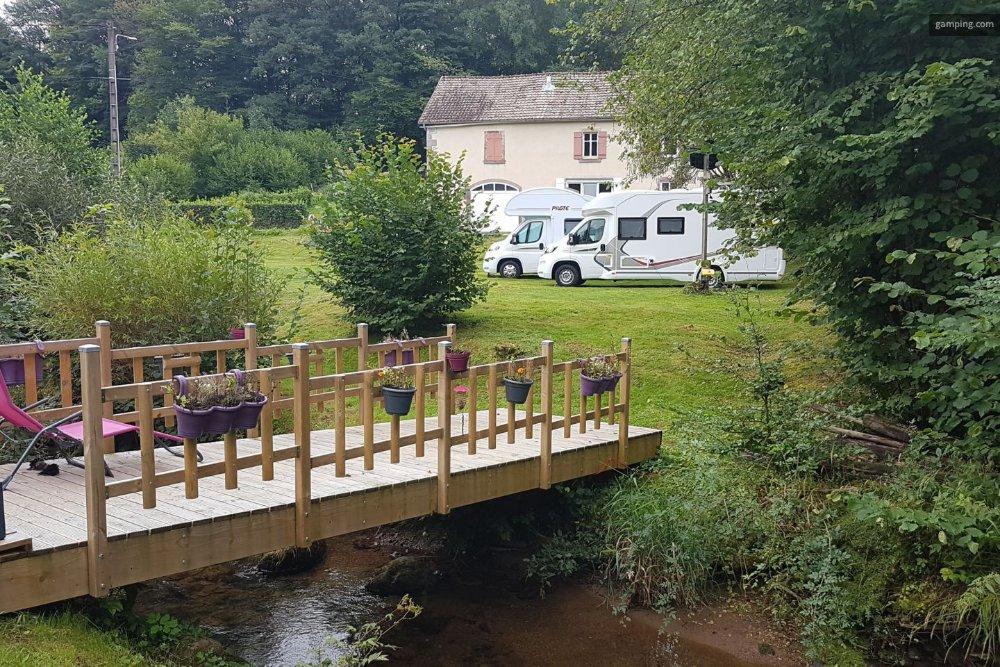 Aire camping-car à Fresse (70270) - Photo 1